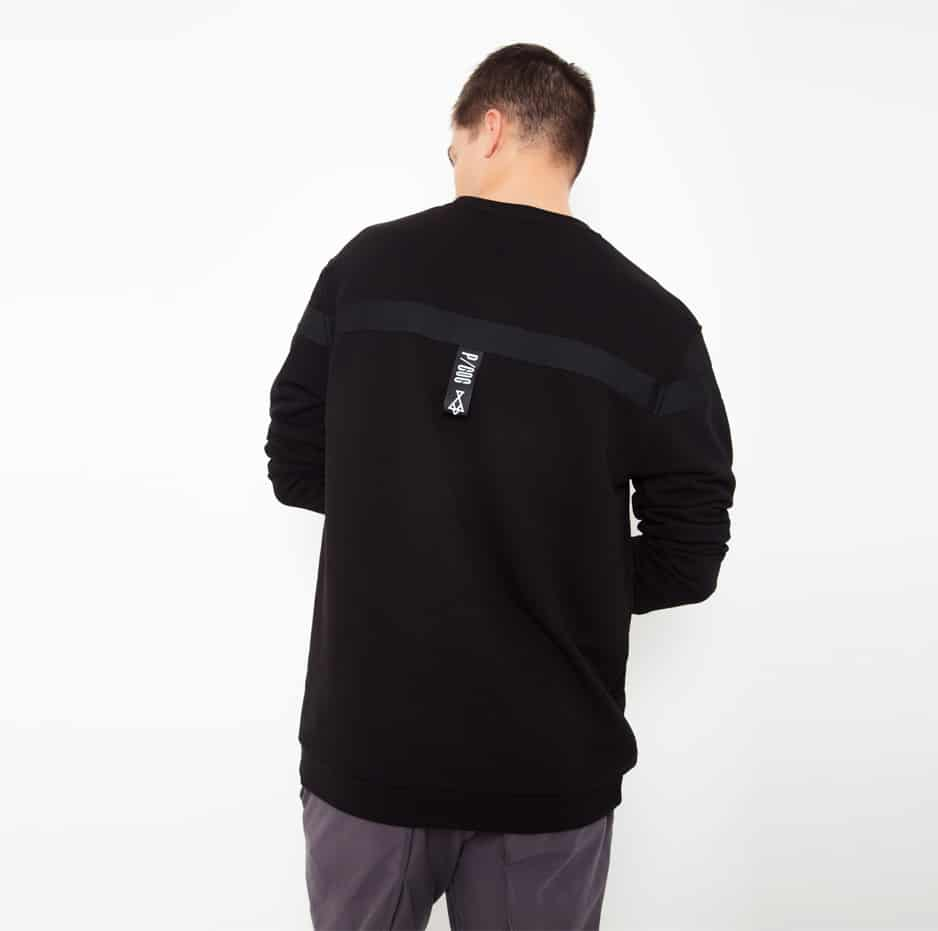 Black hoodie with black line_back_thumbnail2