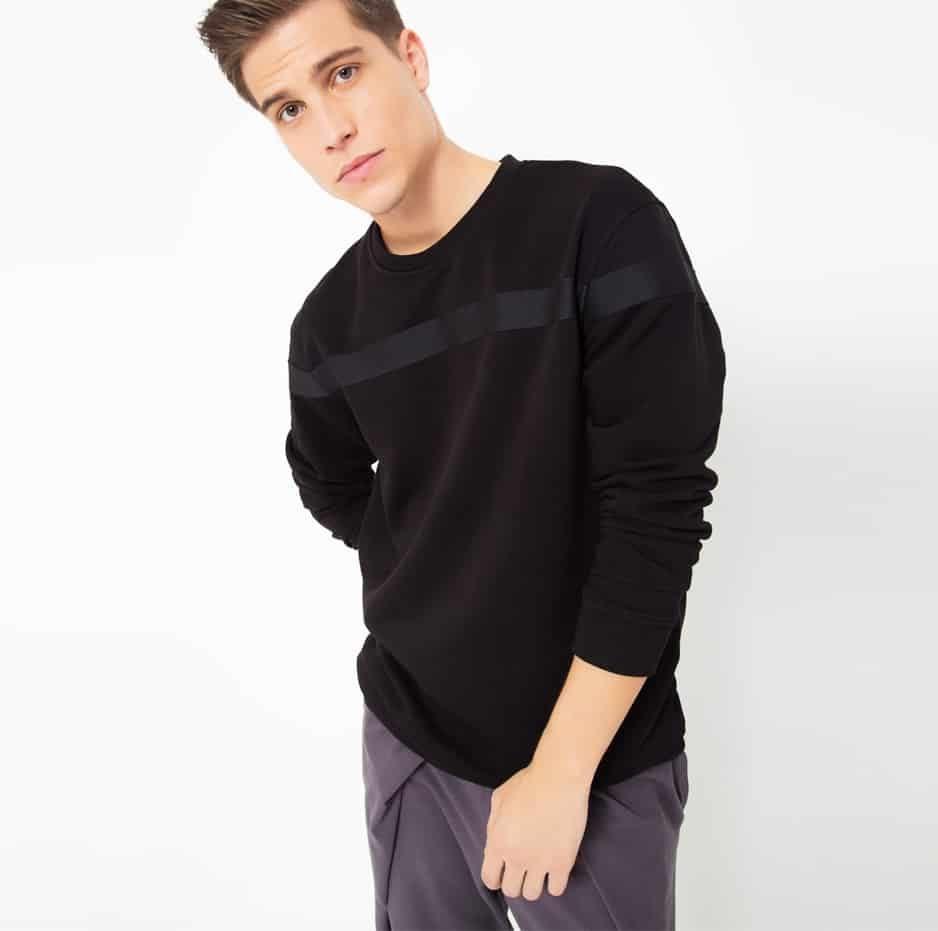 Black hoodie with black line_thumbnail