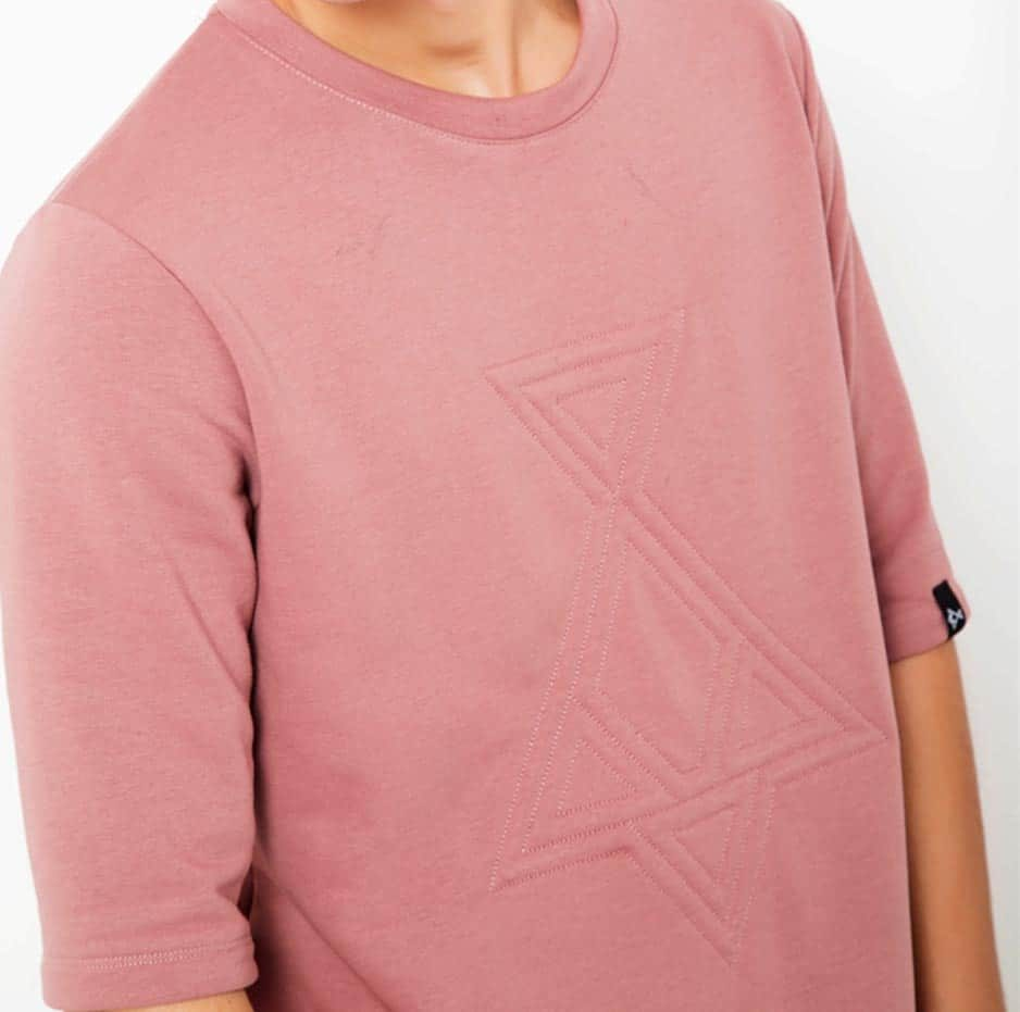 Pink sweater with embroidery in front_zoom