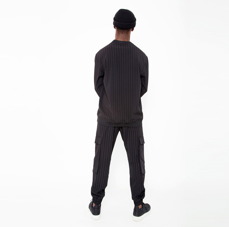 Stripped jogging trousers_back_total_outfit