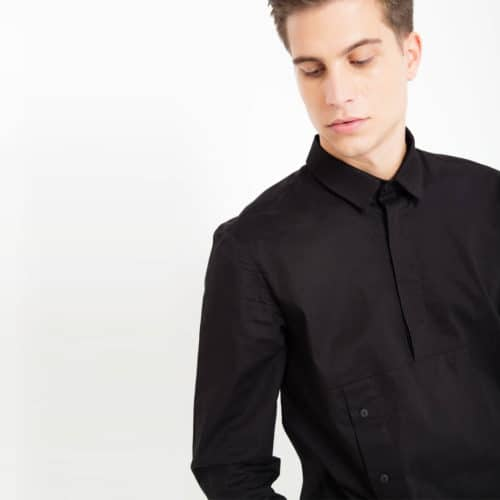 Black shirt with buttons_zoom