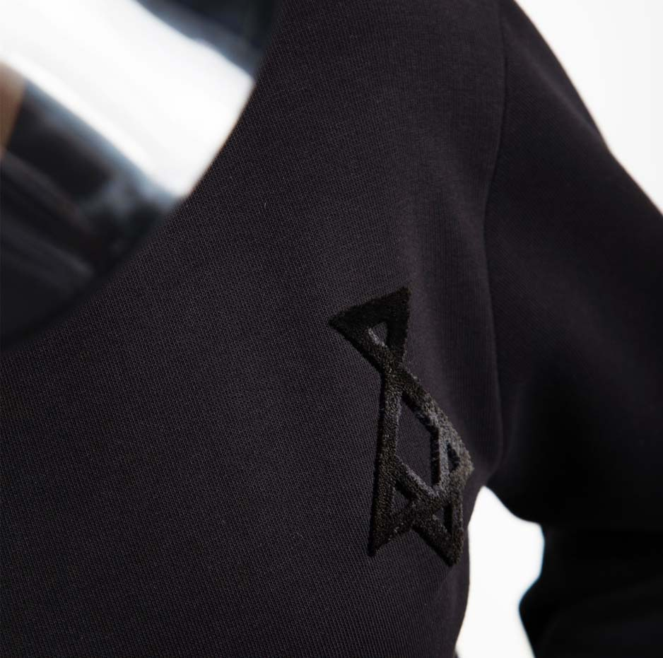 Black sweater with embroidery_logo