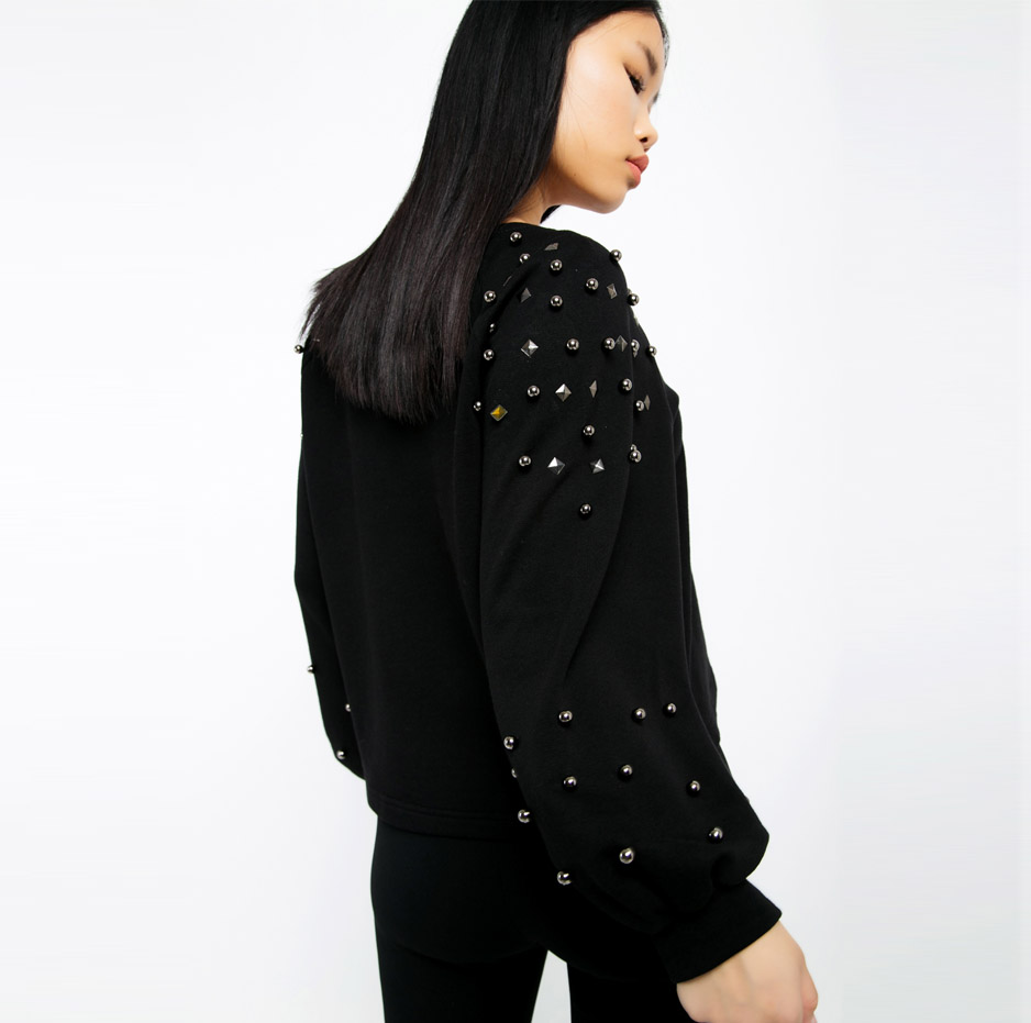 Black sweater with studs_back