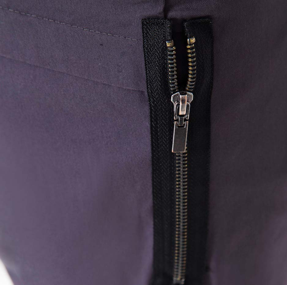 Grey trousers with pockets_zoom