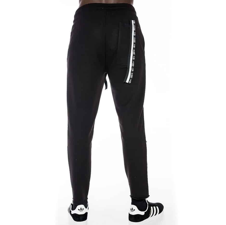 Sporty trousers with with P/COC tape on pocket