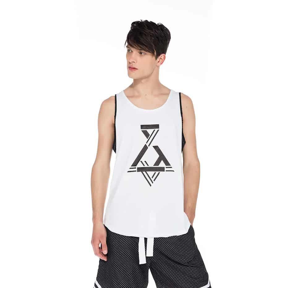 Double fabric sleeveless t-shirt