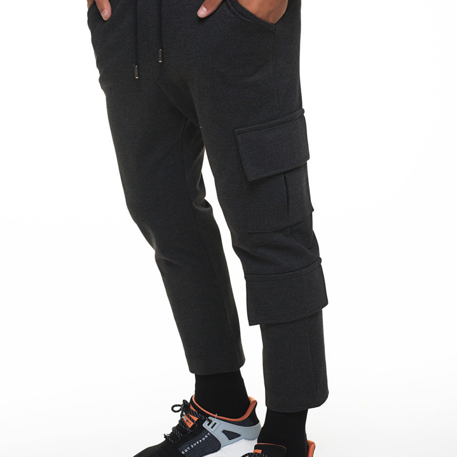Pants with pockets and cords