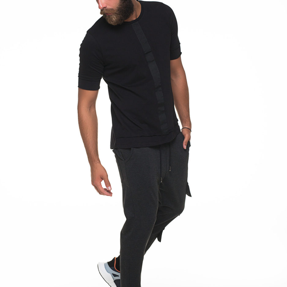 Black t-shirt with front binding