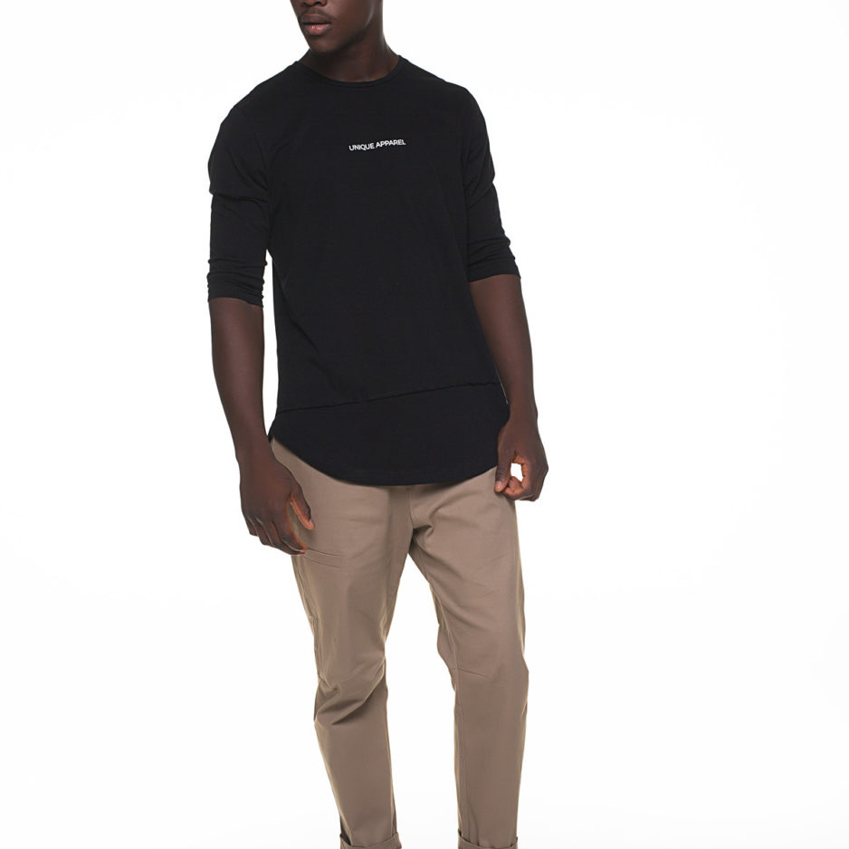 Black t-shirt with 3/4 sleeve and printing in front