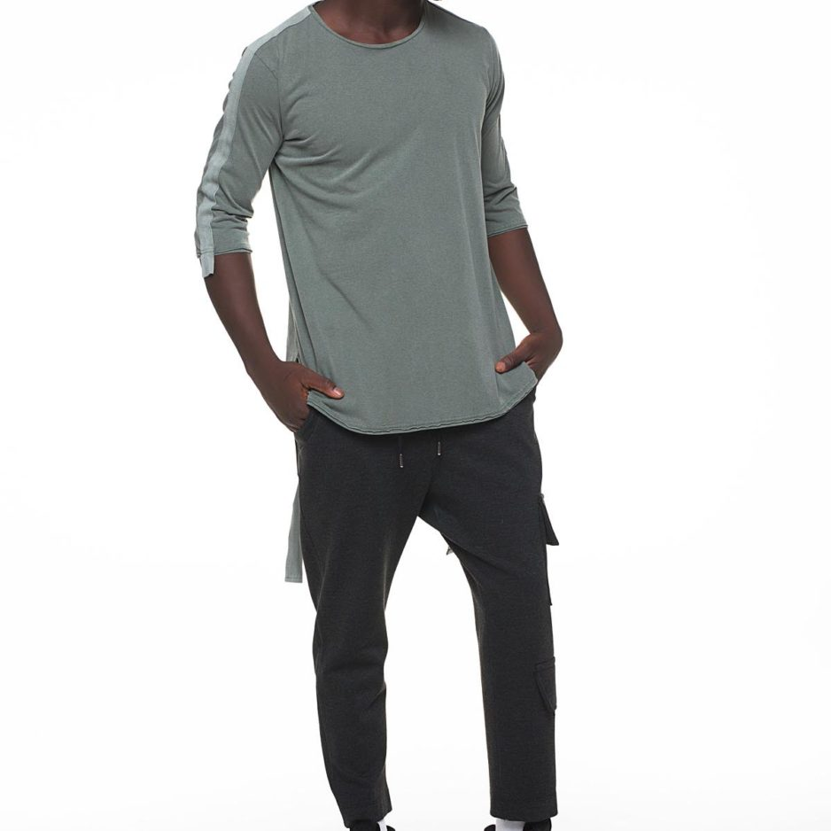 T-shirt with bindings on sleeves and on the back