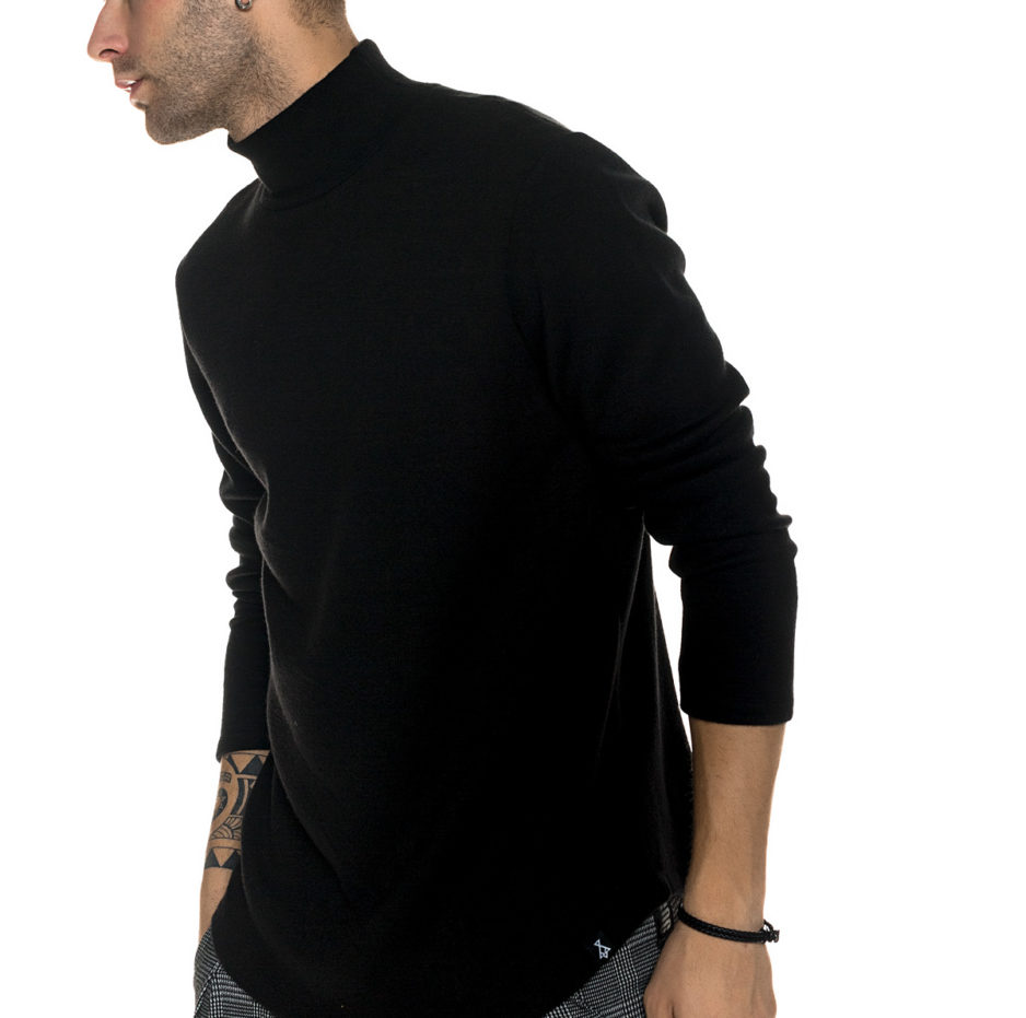 Black knitted turtleneck