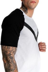 Ασπρόμαυρο t-shirt με τυπωμένη τρέσα μπροστά