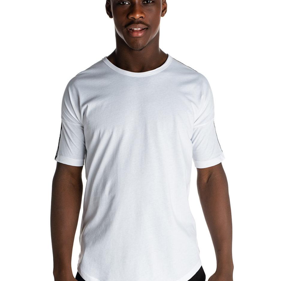 Λευκό t-shirt με κόκκινο φερμουάρ στην πλάτη