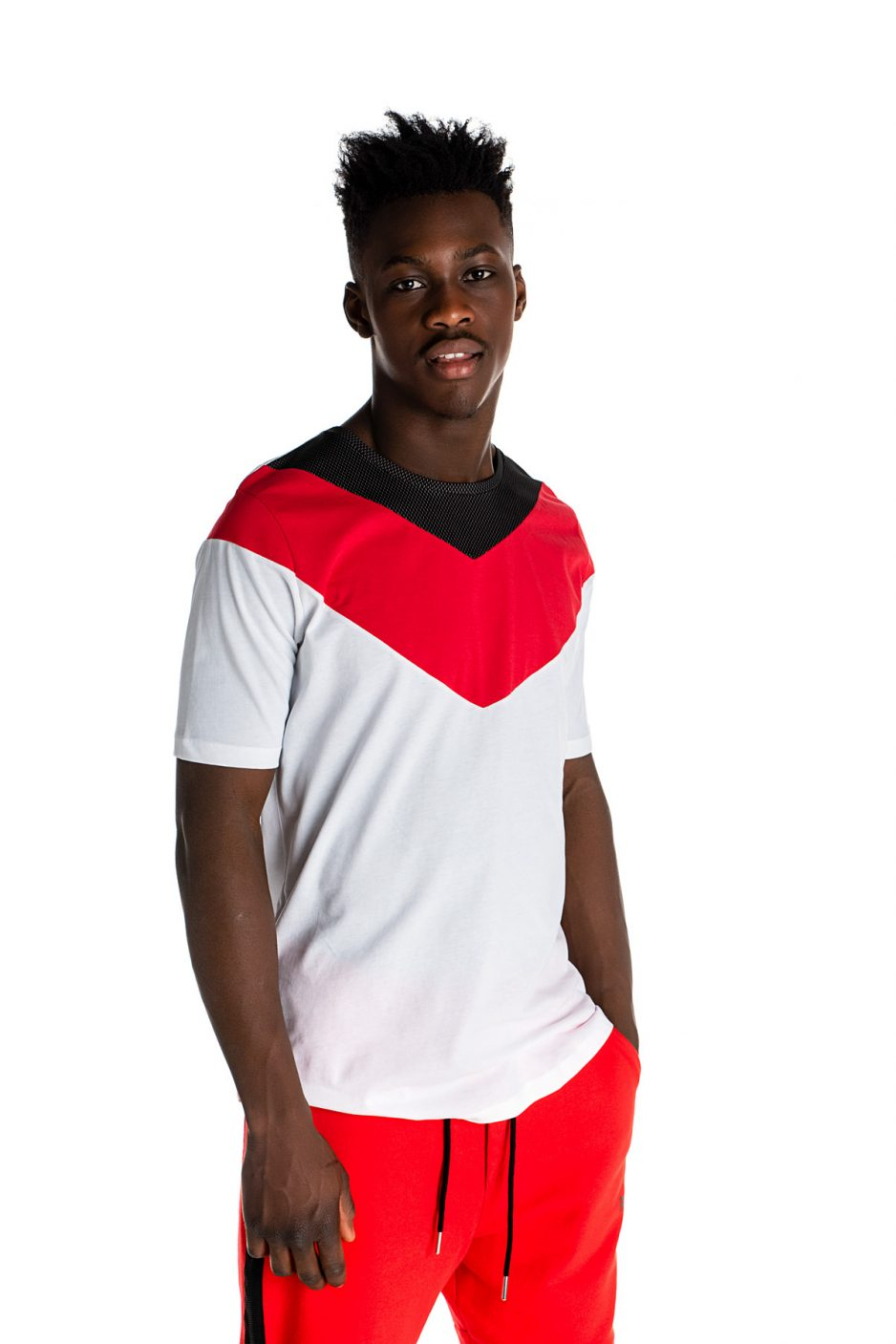 P/COC t-shirt με κόκκινες λεπτομέρειες